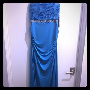NWT Strapless Long Formal Or Prom Dress